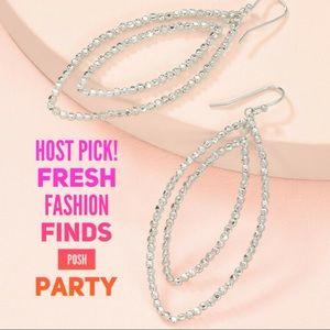 :: Stella & Dot Sparkling SILVER Bardot Earrings